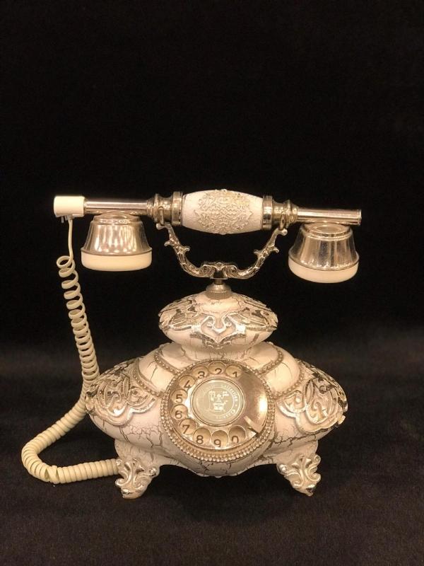 BEYAZ GÜMÜŞ VARAKLI TELEFON